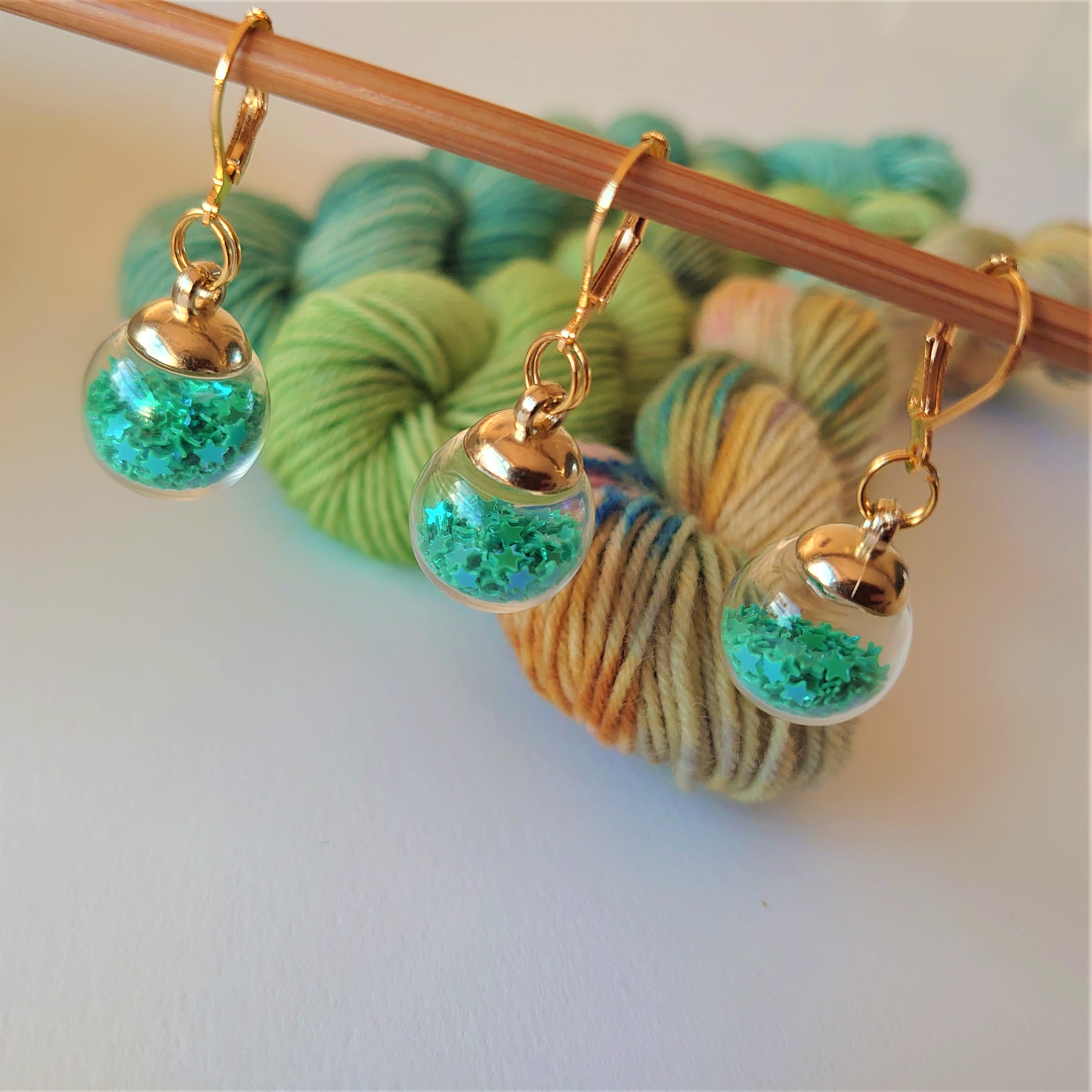 Green Sparkle Bauble Stitch Markers