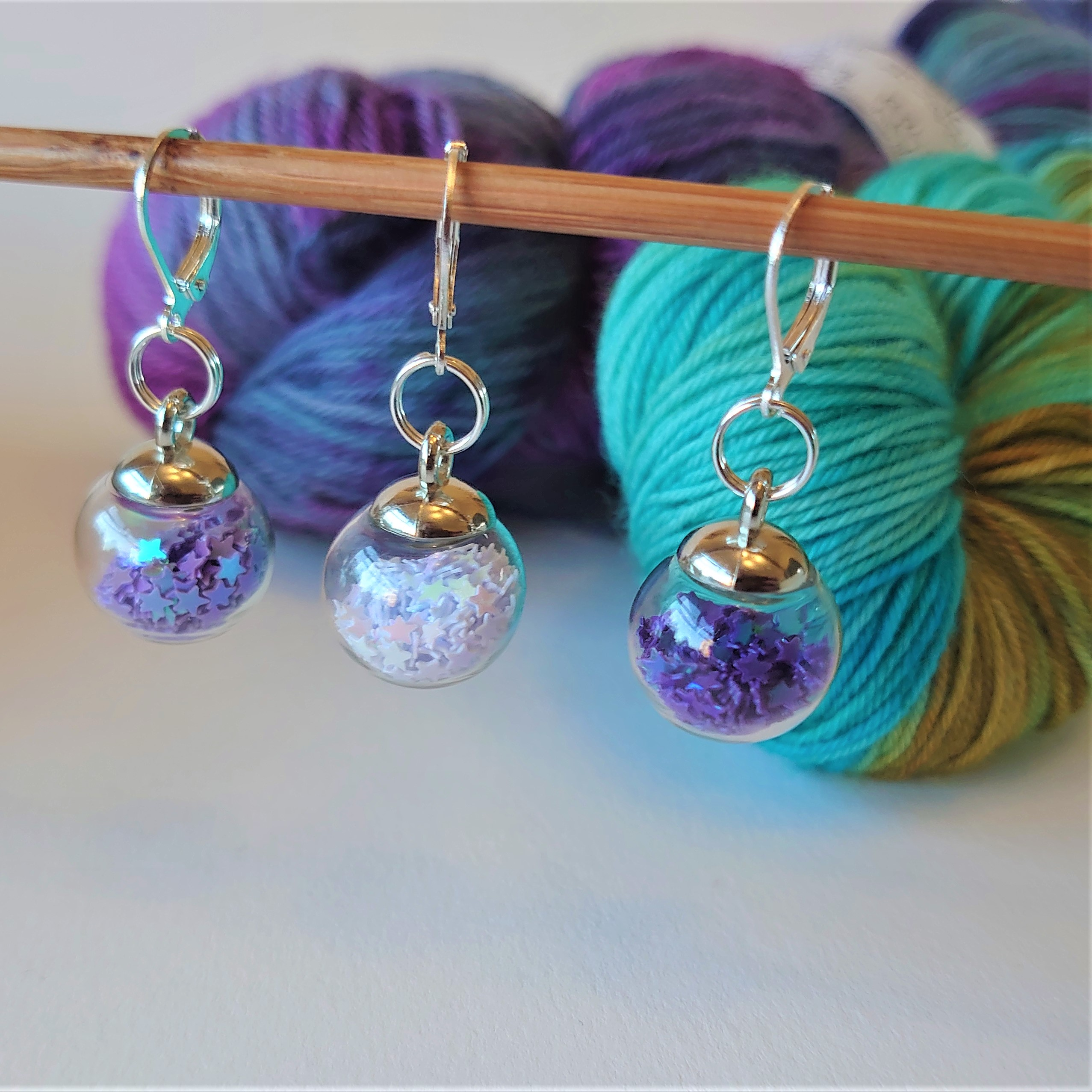 Blue/White Mix Sparkle Bauble Stitch Markers