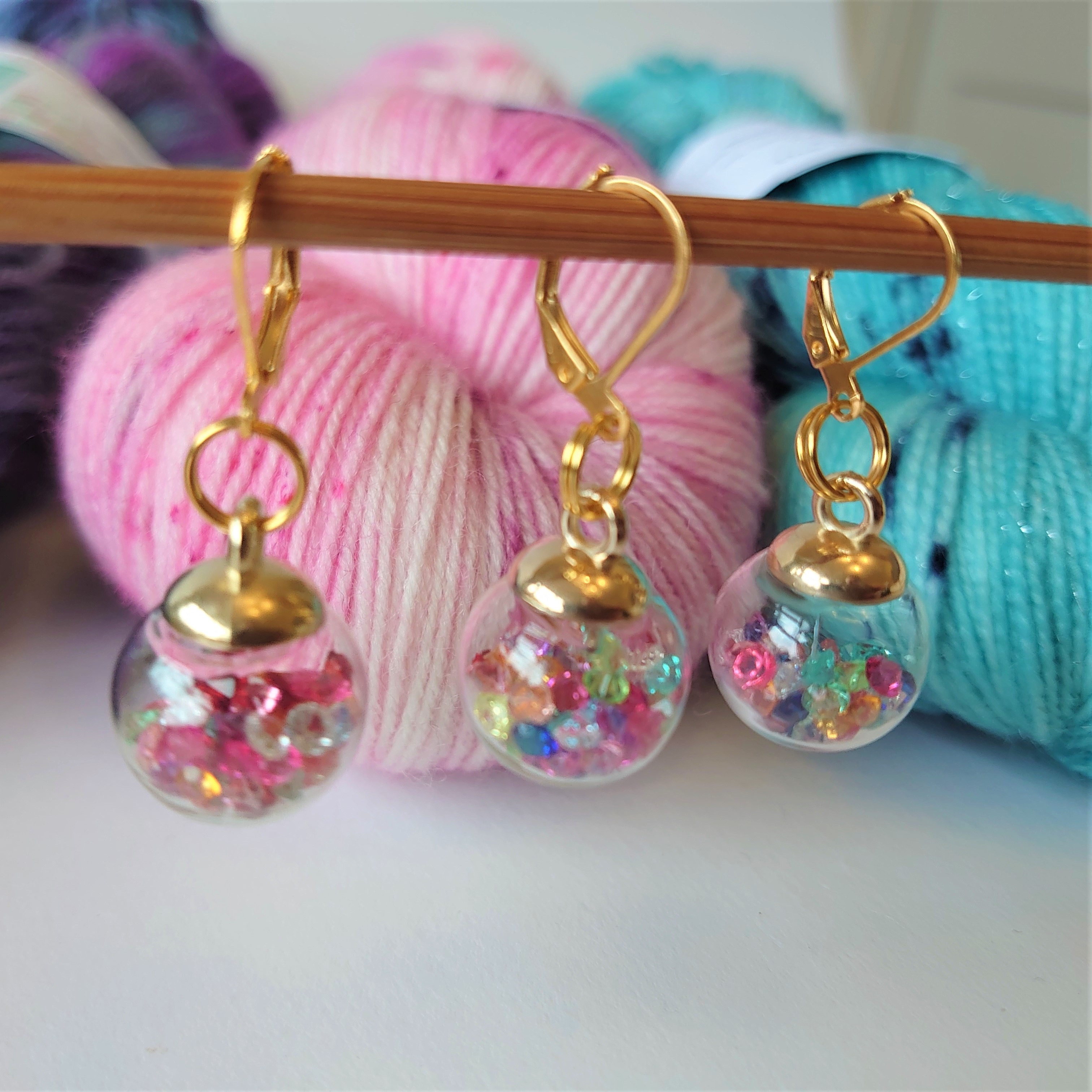 Multicoloured Gold Clasp Gem Bauble Stitch Markers